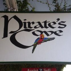 Pirate's Cove Lounge
